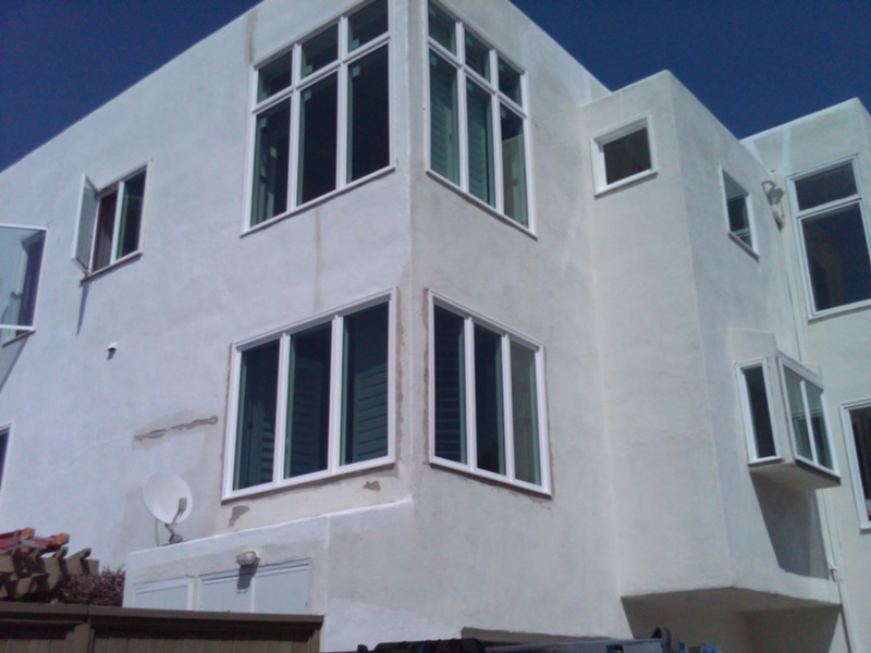 huge three story house in la jolla all crank out windows